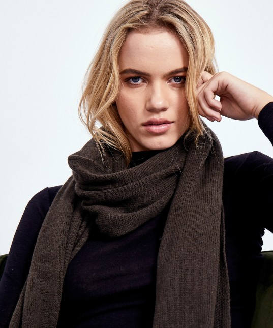 Theodore Scarf Olive